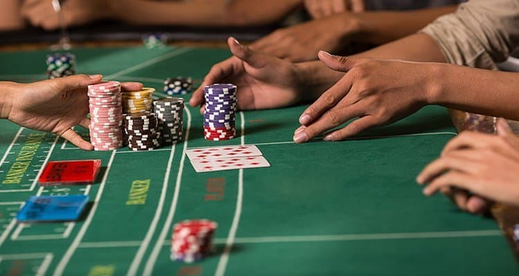 online casinos table